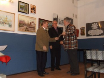 """Miniatura zdjęcia: Otwarcie pokonkursowej wystawy """"Lubsko w malarstwie,rzeźbie i fotografii""""21.11.2007_wystawaDSCF13857"""