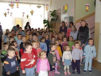 Miniatura zdjęcia: NARODOWE ŚWIĘTO NIEPODLEGŁOŚCI w Przedszkolu Nr 1 w Lubsku 9.11.2007r. _przedszkoleDSCF21076.JPG