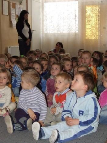 Miniatura zdjęcia: NARODOWE ŚWIĘTO NIEPODLEGŁOŚCI w Przedszkolu Nr 1 w Lubsku 9.11.2007r. _przedszkoleDSCF21117.JPG