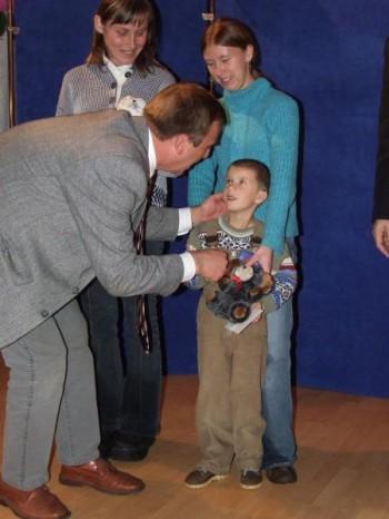 """Miniatura zdjęcia: KOŁO """"INTEGRACJA"""" - """"URODZINKI"""" - LUBSKO - BRODY 7.11.2007r._kl6.JPG"""