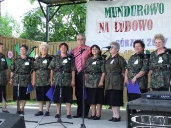 Miniatura zdjęcia: Mundurowo na ludowo - Górzyn 2007_33d.jpg