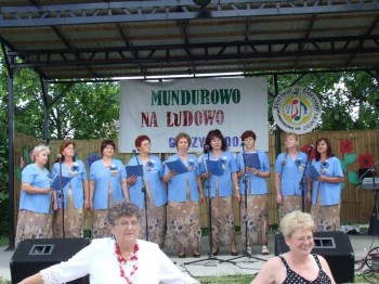Miniatura zdjęcia: Mundurowo na ludowo - Górzyn 2007_91d.jpg