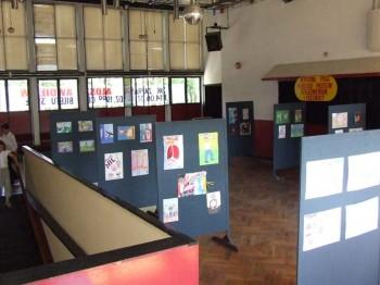 Miniatura zdjęcia: Wystawa Prac Młodzież przeciw uzależnieniom i przemocy_7d.jpg